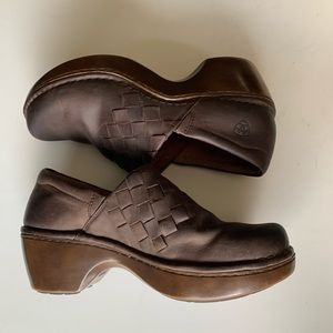 {Ariat} woven clog size 9.5